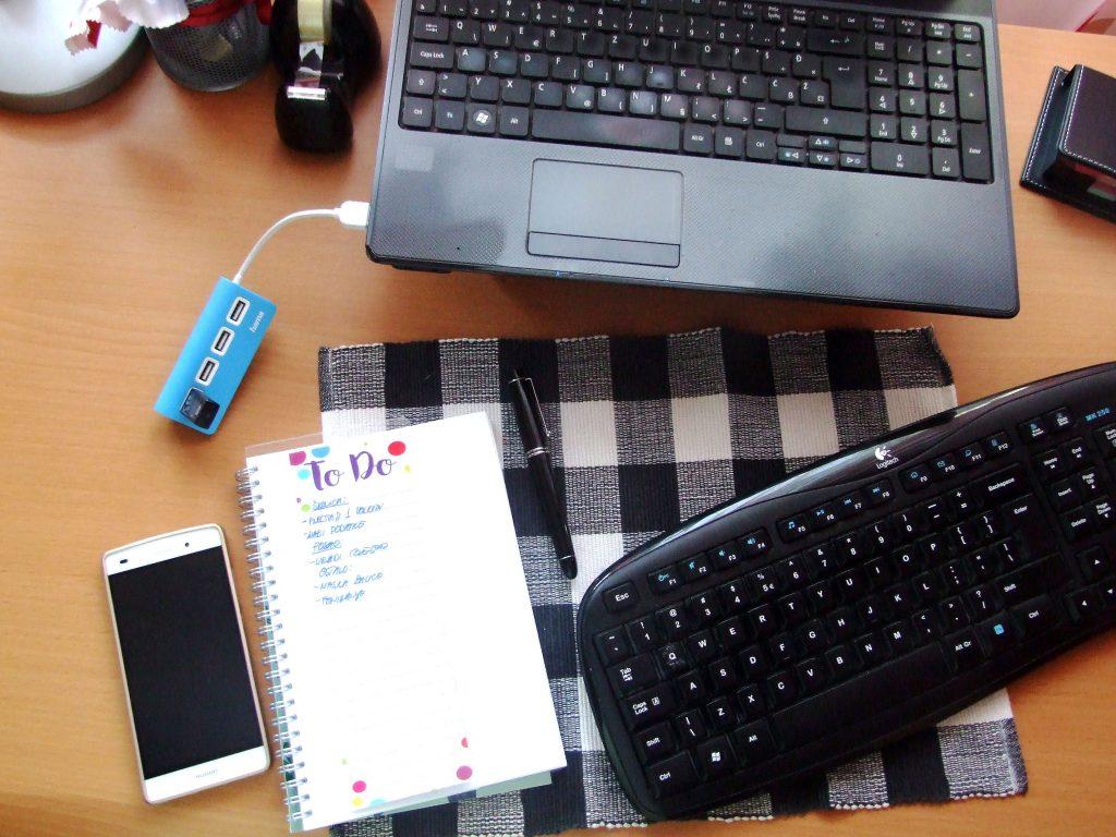 Uredan radniprostor = sređen život © According to Kristina