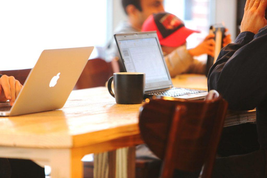 Možete raditi i iz kafića © Pixabay