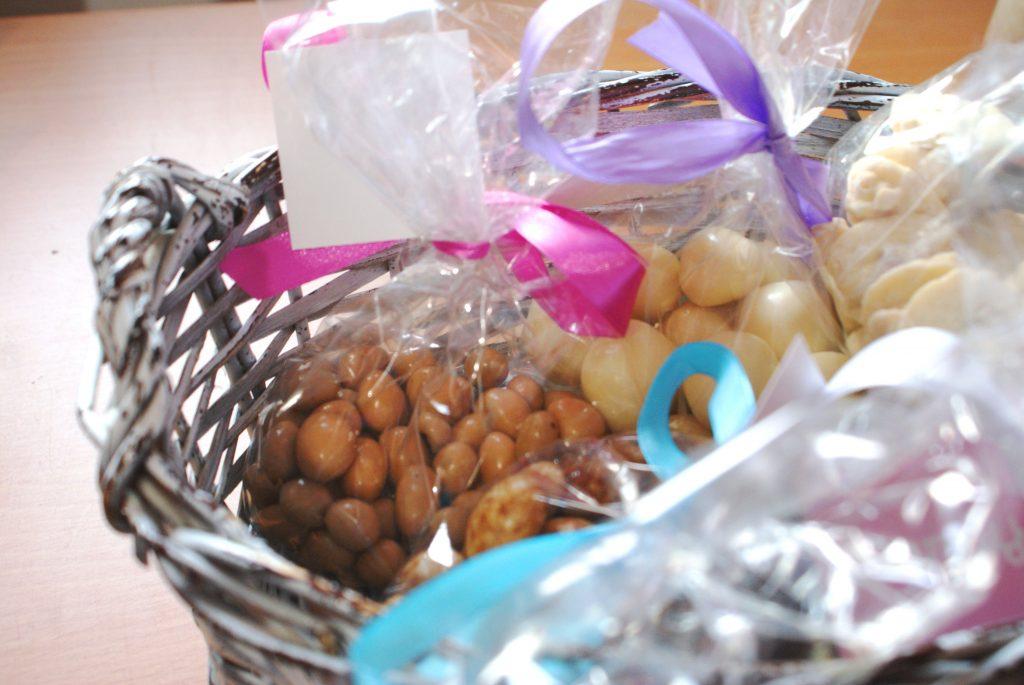 Fino upakovani slatkiši su idealni za poklon © According to Kristina