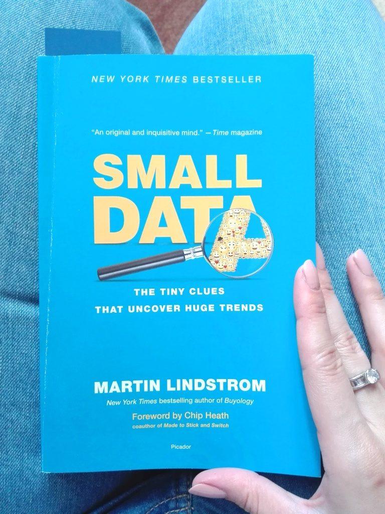 Meni samo ostaje da pročitam knjigu koju sam dobila na simpozijumu. I to celu ovog puta! © According to Kristina
