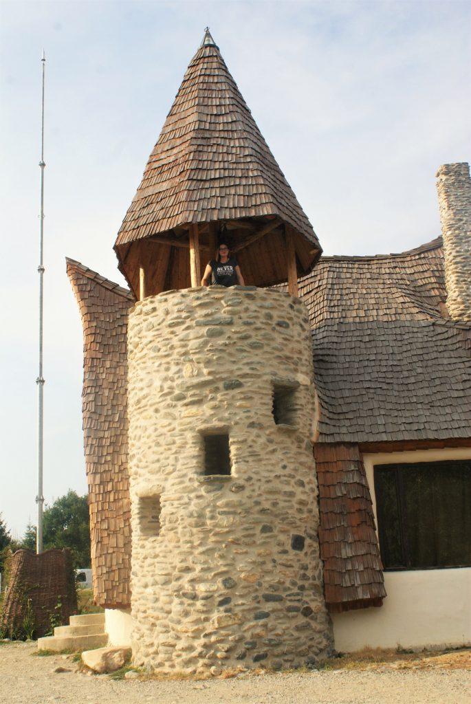 Zamak od gline © According to Kristina