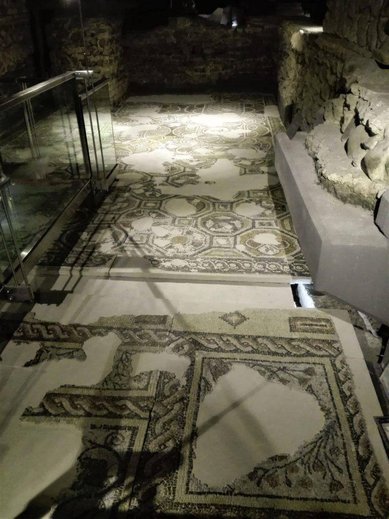 Mozaik u crkvi Svete Sofije © According to Kristina