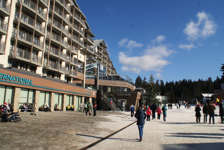 Jedan od hotela u Borovecu© According to Kristina