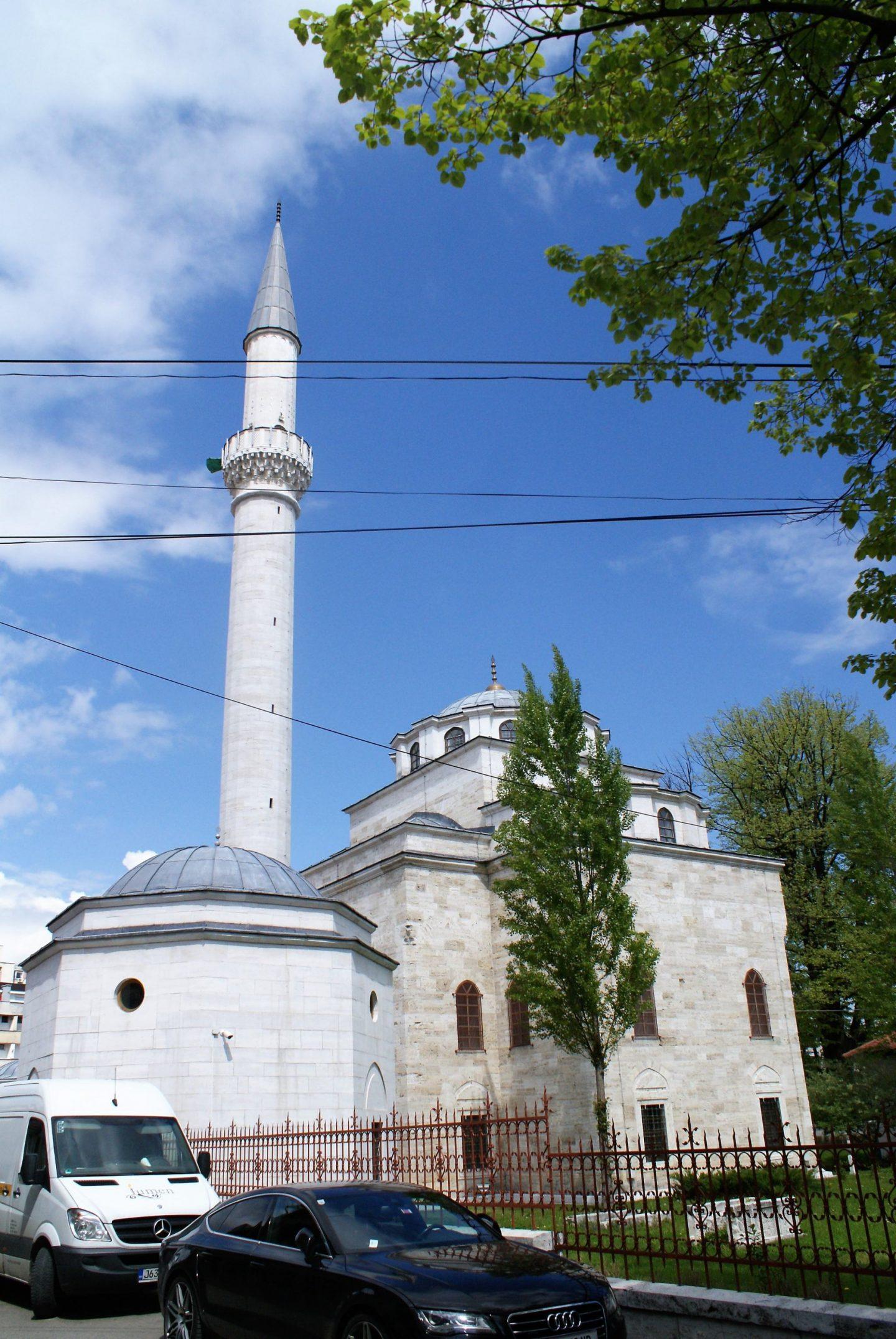 džamija Ferhadija spolja © According to Kristina