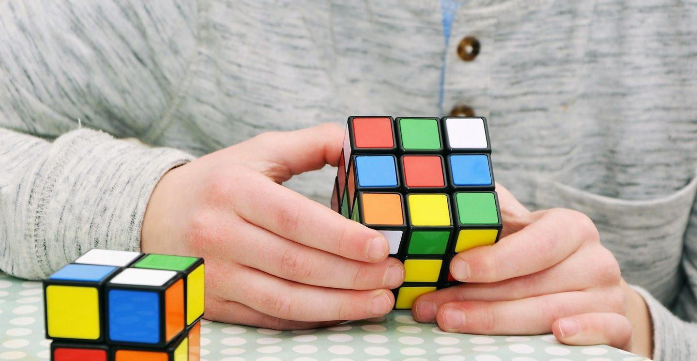Rešavanje Rubikove kocke je dobar način da vežbate mozak