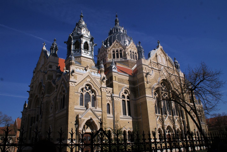 Sinagoga u Segedinu © According to Kristina