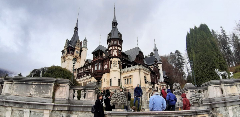 Dvorac Peleš na tmuran dan © According to Kristina