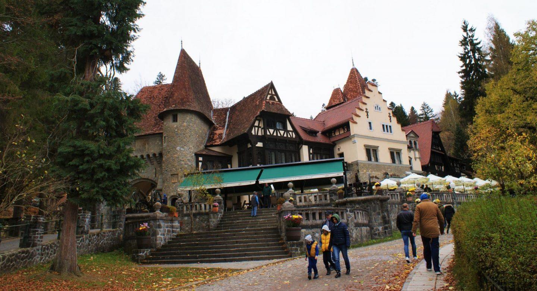 Dvorac Pelišor © According to Kristina