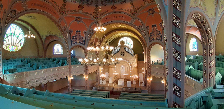 Unutrašnjost sinagoge u Subotici © According to Kristina