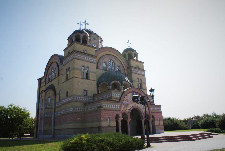 Crkva Sabora Svetih Apostola u Apatinu © According to Kristina