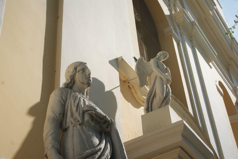 Detalj na crkvi Presvetog Trojstva © According to Kristina