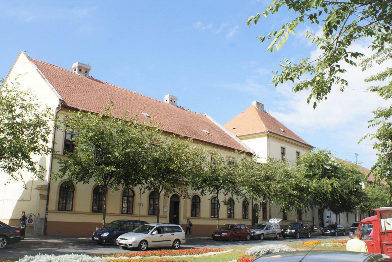 Istorijski arhiv i Pašina kula © According to Kristina